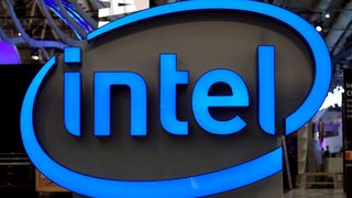 Intel-logo ved standen til Intel under Cebit-messen i 2017.
