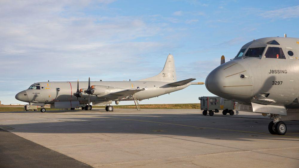 To P-3 Orion overvåkingsfly står parkert på Andøya flystasjon. Regjeringen har vedtatt å legge ned flystasjonen når de nye flyene fases inn på Evenes. Opposisjonen på Stortinget, med Senterpartiet i spissen, jobber nå for en omkamp.