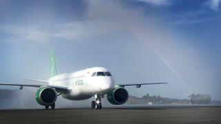 Slik har det nye Widerøe-flyet blitt «verdens mest effektive fly» - se video fra landingen i Norge