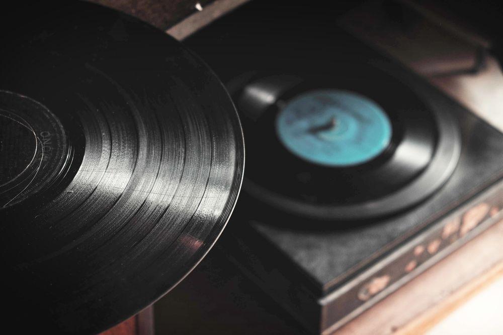 Mange foretrekker fortsatt lyden fra en vinylplate. Ny teknologi skal forbedre formatet ytterligere.