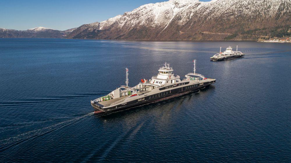 MF Gloppefjord og MF Eidsfjord er bygget i Tyrkia og går på batterier de 11 minuttene over fjorden.