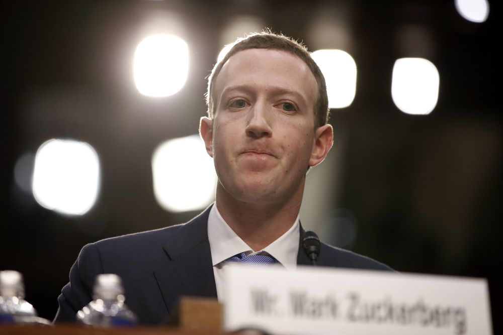 Facebook-sjef Mark Zuckerberg før høringen i Senatet tidligere i april.