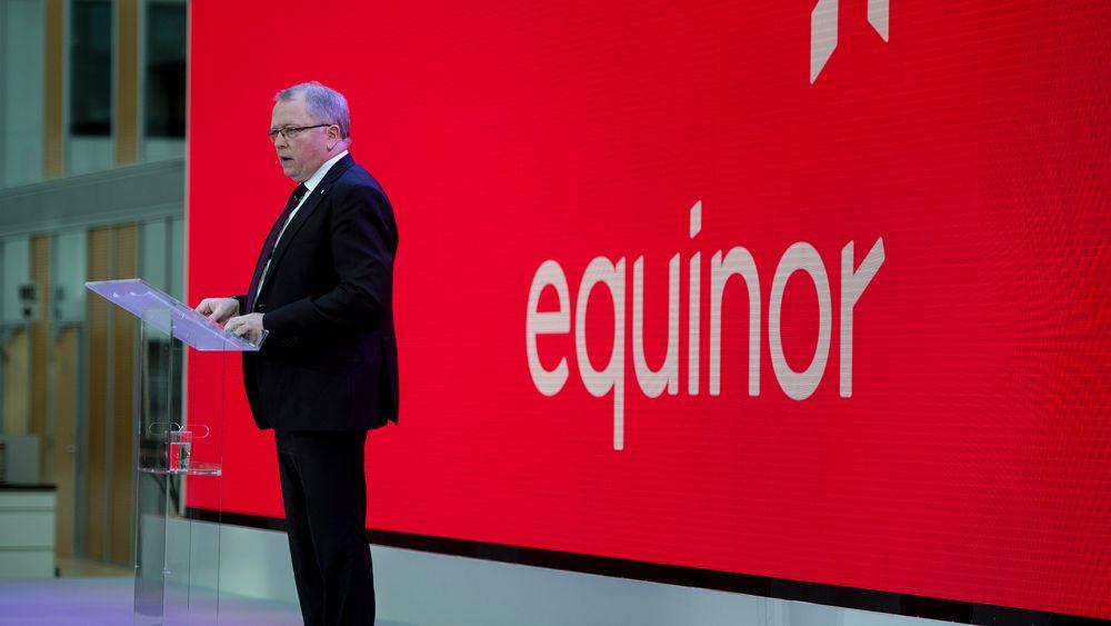 Statoils konsernsjef Eldar Sætre i Statoil konstaterer at selskapet i første kvartal har redusert kostnadene og forbedret resultatet. Bildet er tatt på et almennmøte i Stavanger da Statoil presenterte selskapets nye navn.