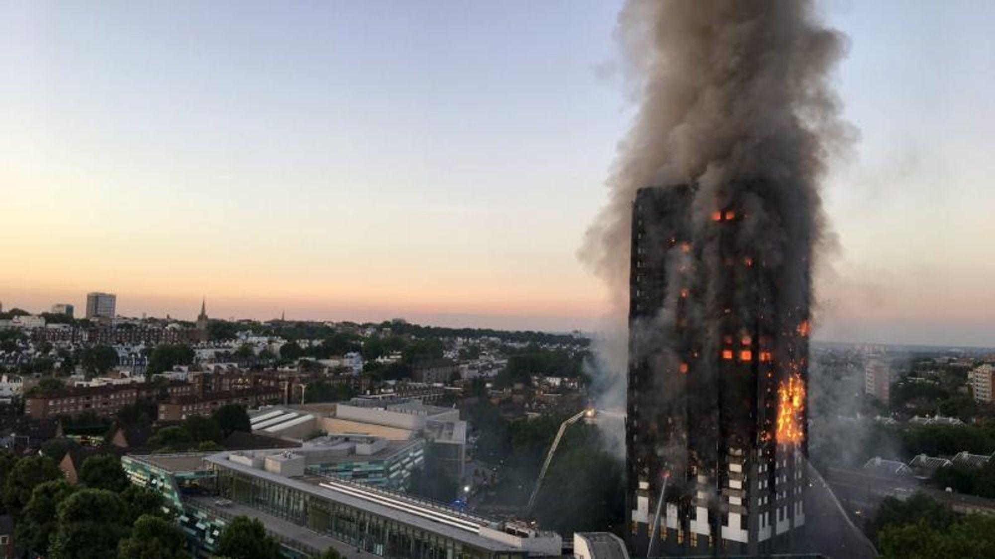 71 personer døde i katastrofebrannen i Grenfell Towers.