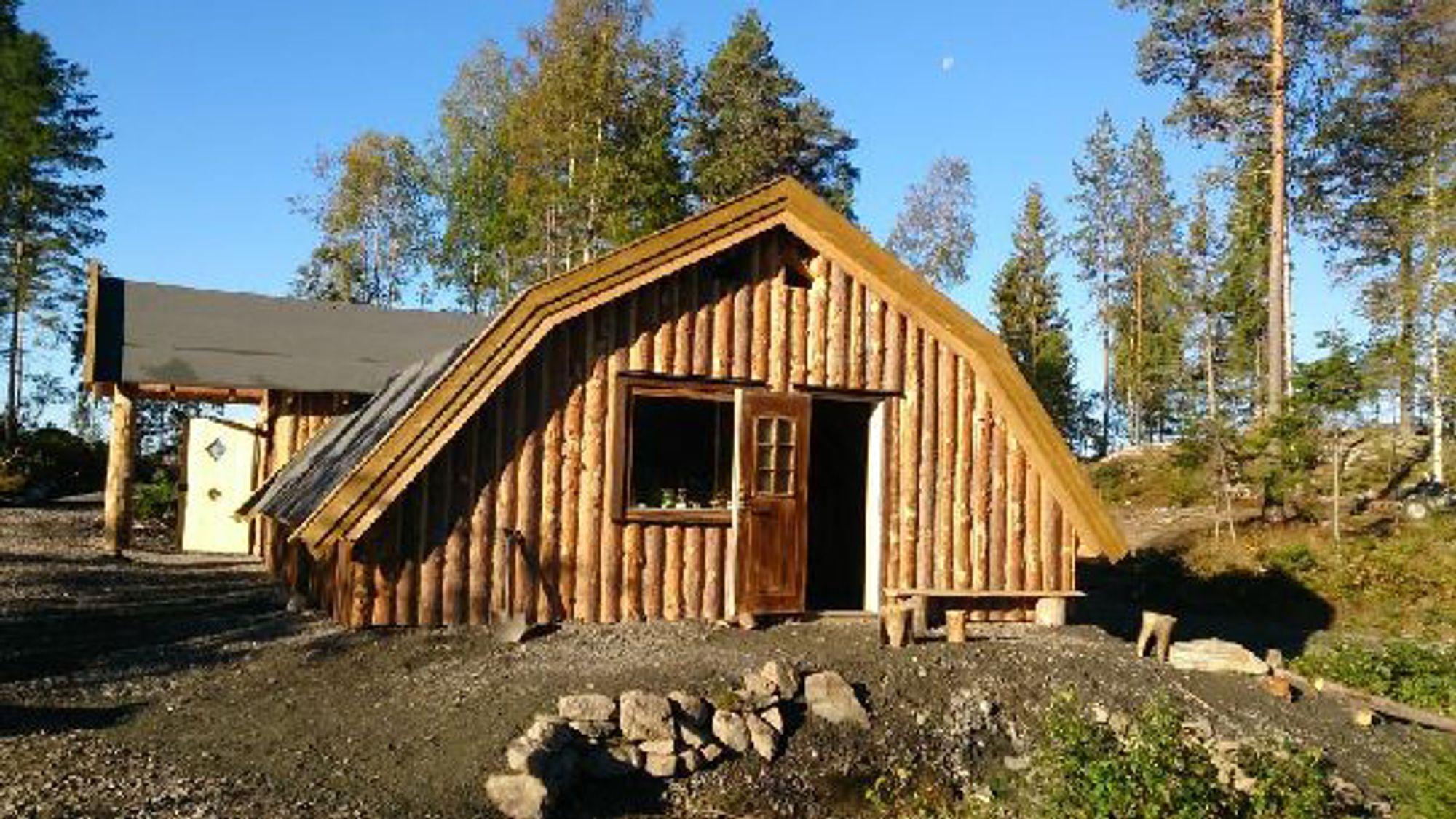 Naturavdelingen til Ole Brumm barnehage i Aurskog har tilhold i et vikingehus.