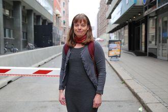 Med ryggsekk: Siv Hilde Houmb går med ryggsekken full av cyber security. – Det er vel ca. 10 seriøse aktører på dette i hele verden og halvparten av disse kommer fra militære forskningsmiljøer i Israel, sier Siv Hilde Houmb.