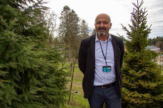 Ramzi Hassan er professor på Institutt for landskapsarkitektur ved Norges miljø- og biovitenskapelige universitet, NMBU. Han er grunnlegger og leder for universitetets VR-lab.