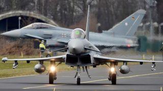 Bare fire av Tysklands 128 Eurofightere er fullt stridsdyktige