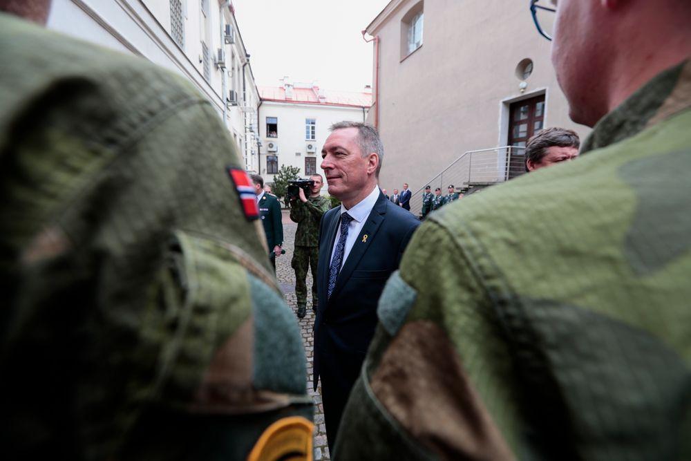 Forsvarsminister Frank Bakke-Jensen (H) varsler friske millioner til Heimevernet i revidert nasjonalbudsjett.