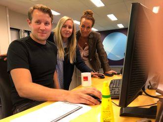 Even Skårberg Aarnes, Hilde Martine Lindgren og Kristin Rivrud i NRKJ Telemark er spente på utfallet av meklingen.