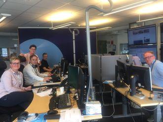 En av redaksjonene i NRK Møre og Romsdal - her fra Ålesund: Janne Brit Aasen, Håvard Ketil Sporsheim, Sissel Brunstad, Jon Arne Akselsen og Terje Reite.