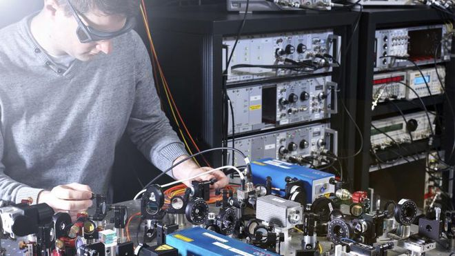 Kjerneuret kan slå atomuret i både nøyaktighet og stabilitet