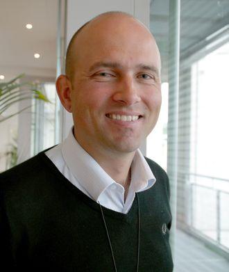 Optimist: – Vi mener at det er realistisk å fly batterielektrisk i 99 prosent av tilfellene på 20 av flyplassene i vårt kortbanenett, sier seniorrådgiver Olav Mosvold Larsen.