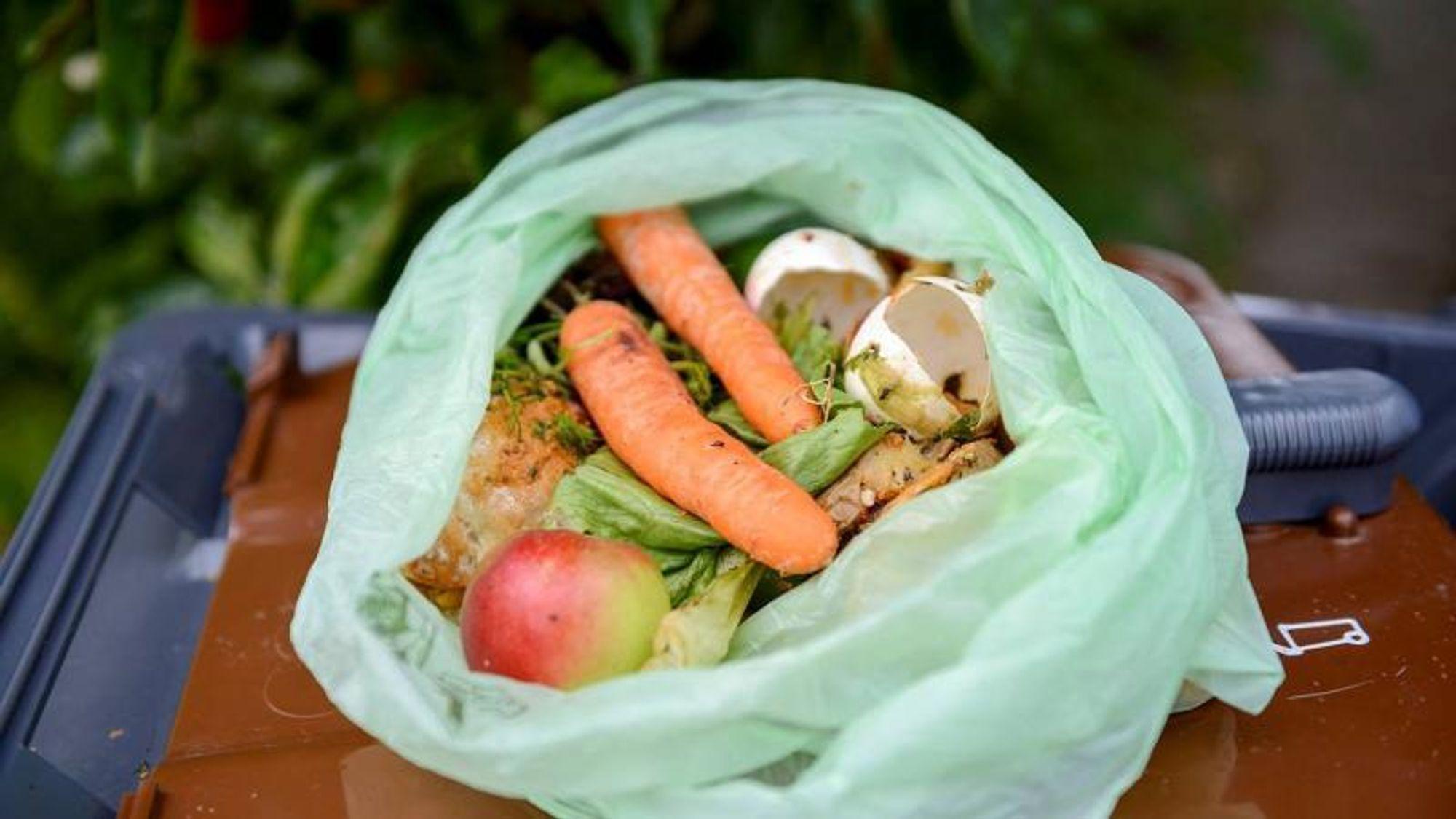 De grønne bioposene i Københavns Kommunes avfallsordning for matavfall, inneholder 71,8 prosent fossilt karbon, viser en test fra Teknologisk Institut.