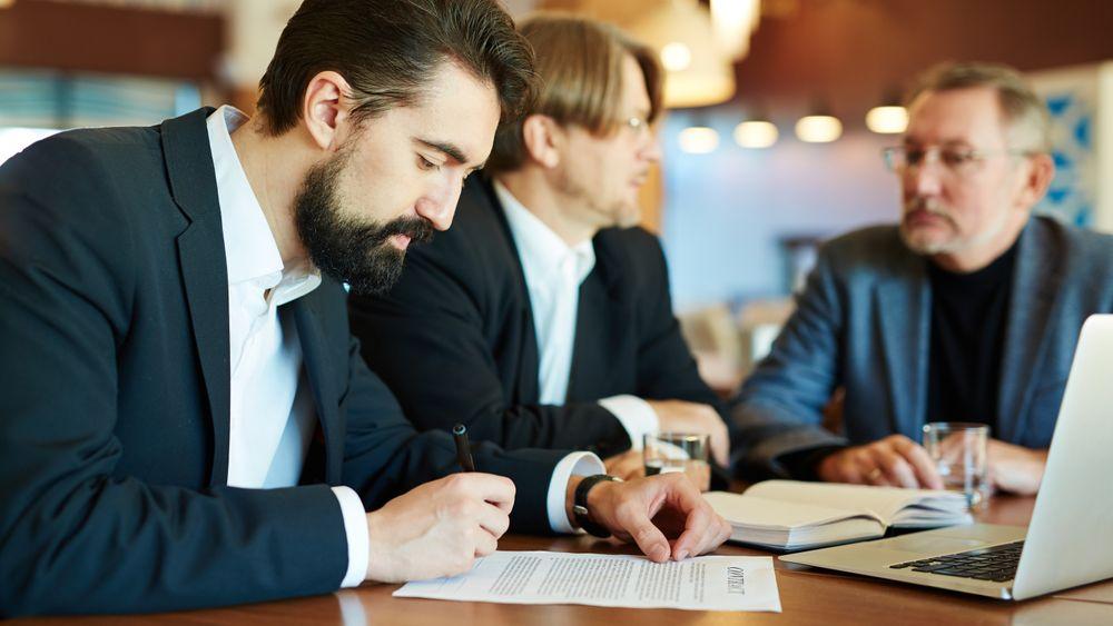 Det er mange feller å gå i når man tegner kontrakt.