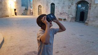 Gjennom VR-brillene kan lokalbefolkningen i Palestina lære om fortidens kulturarv.