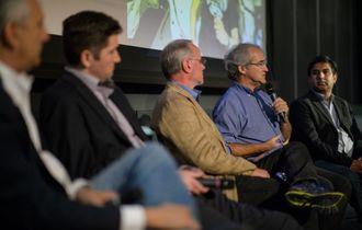 Dave Lavery (nummer to fra høyre) under et arrangement hvor Mars-utforskning og filmen «The Martian» ble diskutert i New York i 2017.
