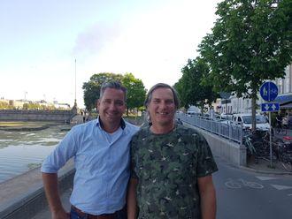 Danske Ingeniøren møtte Joost de Kruijf (v) og Ronald Soemers (h) rett ved Dronning Louises Bro, hvor det var god mulighet til å oppleve den danske sykkelkulturen.