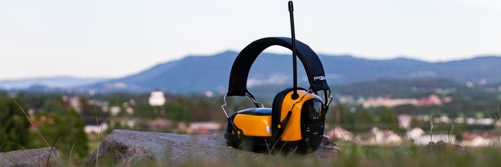 Hyggelig SAMLETEST: Hørselvern med DAB+ og Bluetooth - Tek.no HV-97