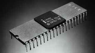 Dette bildet fra 1978 viser Intel 8086, den første prosessoren i 8086-serien. Ifølge Intel var dette også verden første 16-bits-prosessor.