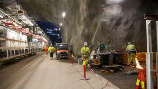 Follobanens tunnellboremaskiner.  Fire tunnelboremaskiner skal bore mesteparten av  Nordens hittil lengste jernbanetunnel.