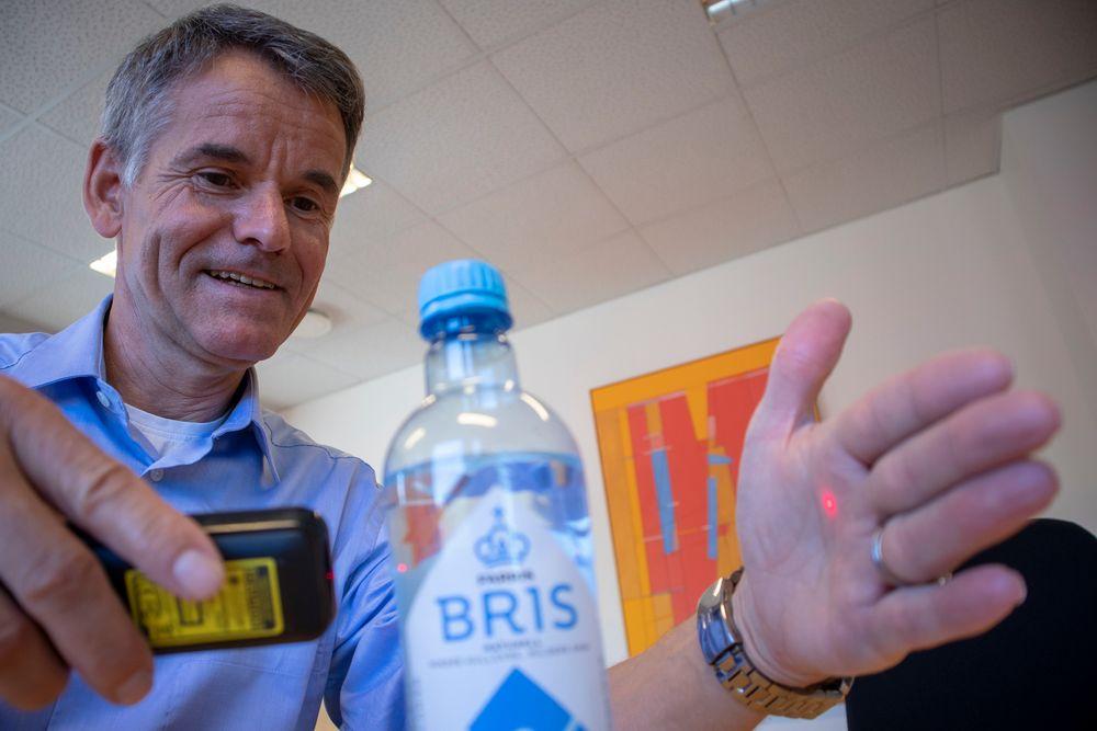 Slik måler vi: Adm. direktør i Neo Monitors, siv. ing. Ketil Gorm Paulsen gir en meget sterkt forenklet verjon av brunnlaget for hovdan de måler konsentrasjon  i gasser.