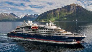 Bygget ekspedisjonsskip på rekordtid: -En stor utfordring å skifte fra offshore til cruise