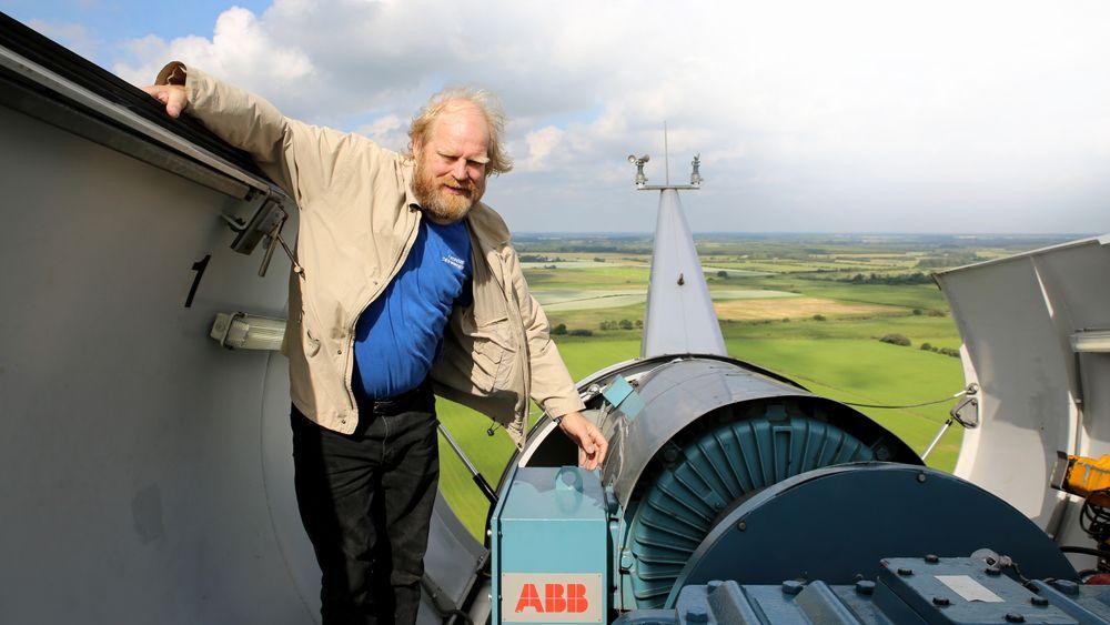 Fornybar energirevolusjon: Når det blåser mye, var det for noen år siden ikke plass i nettet til  strømmen fra vindmøllene til Reinhard Christiansen fra Ellhöft i  Schleswig-Holstein. Energiewende til tross, Tyskland melder nå at de ikke når egne klimamål.