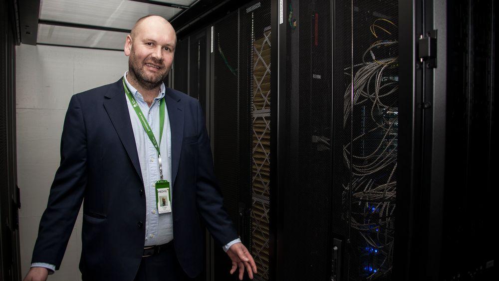 Kjøling: – Dette er en Hot-Aisle Containment, som er en av de mest energieffektive løsningene for kjøling av rack, sier Tor Kristian Gyland.