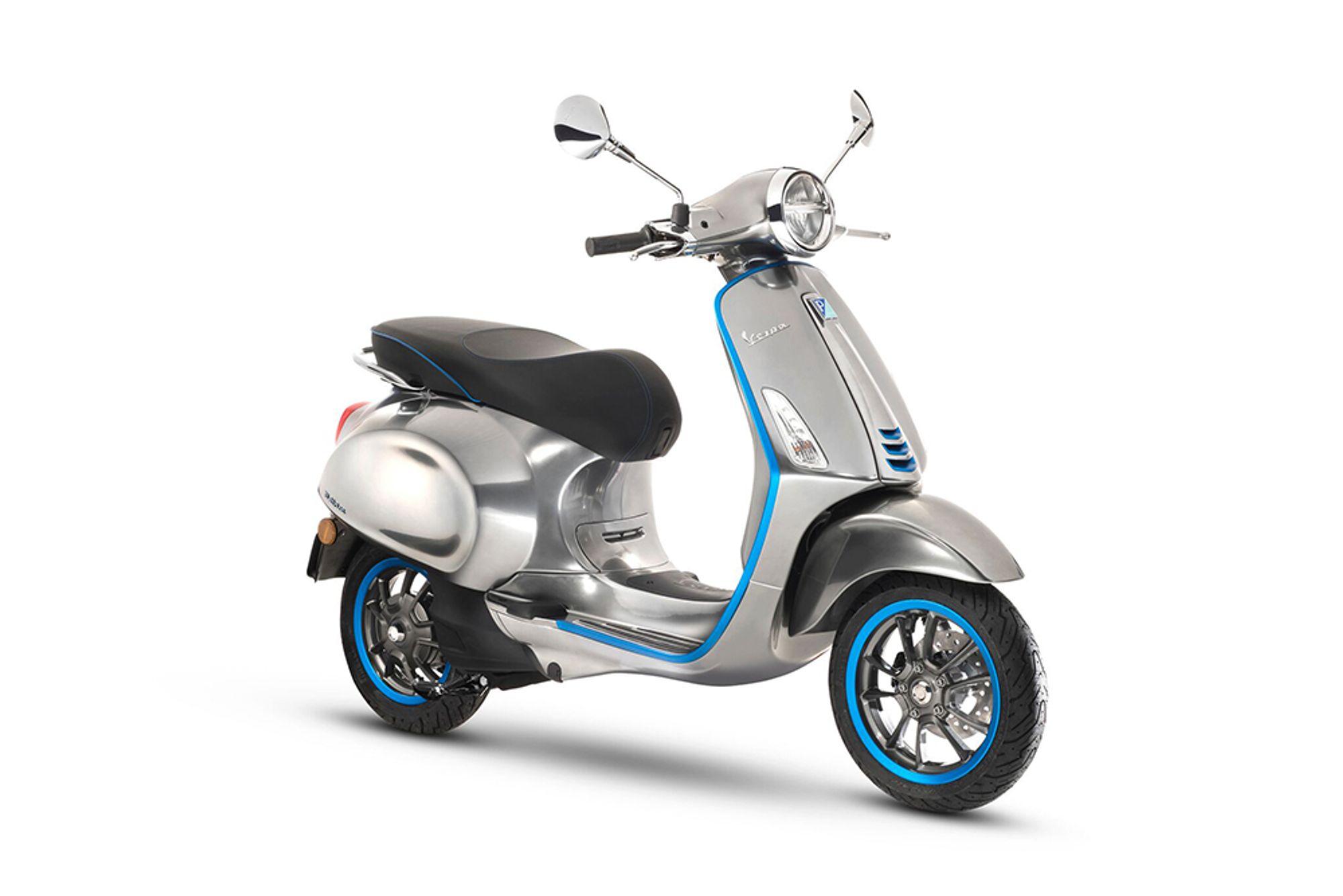 Siste Scooterne blir elektriske - bytter batteri på bare seks sekunder CP-43