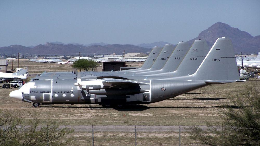 De fem norske C-130H transportflyene har stått lagret i ørkenen i Arizona i ti år.