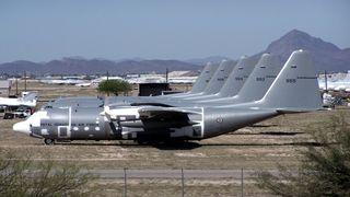 Norske Hercules-fly har stått til salgs i USA i 10 år. Nå har endelig flere kjøpere meldt seg