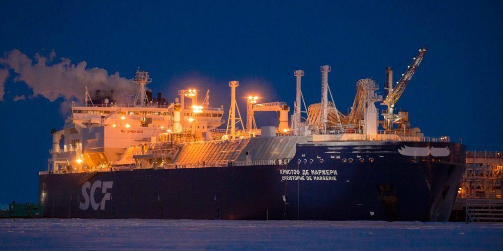 Christophe de Margerie LNG-skip, Lendge: 282 meter. Lastkapasitet: 172.600 m3 LNG. 80.200 dødvekttonn.  Eid av Sovcomflot. Isbrytende, første av en serie på 15 for Yamal LNG-prosjekt. Isklasse Arc 7 (maks 2,1 meter is). Første last 8. desember 2017 fra Sabetta, Yamal-halvøya. Bygget i Sør-Korea, Daewoo Shipbuilding & Marine Engineering (DSME)
