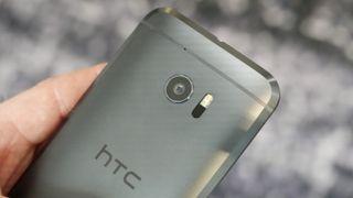 Mobilprodusenten HTC kutter en femdel av de ansatte