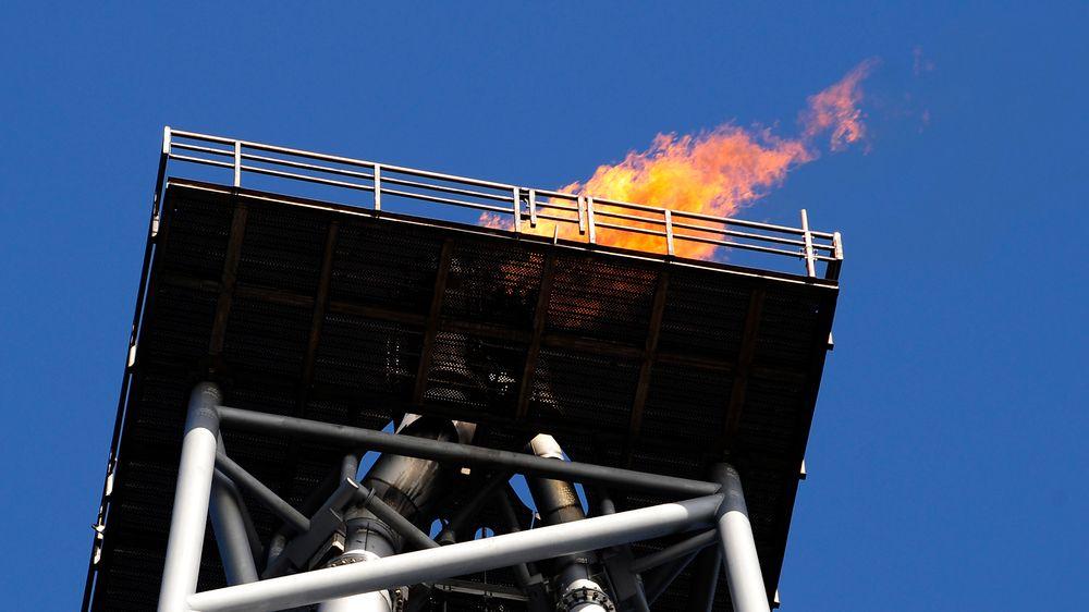 Fakling på Sleipner-feltet i 2009. Det har vært en markant nedgang i denne typen aktivitet, ifølge bransjeorganisasjonen Norsk olje og gass. Illustrasjonsfoto.