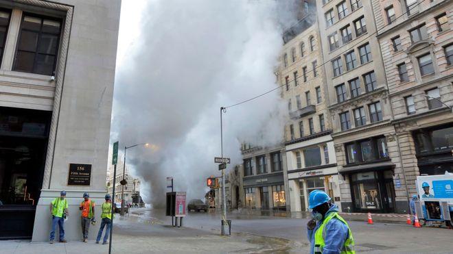Asbestisolert rør eksploderte på Fifth Avenue