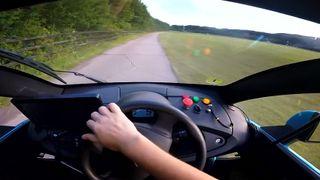 Denne bilen lærer seg å kjøre selv på 20 minutter