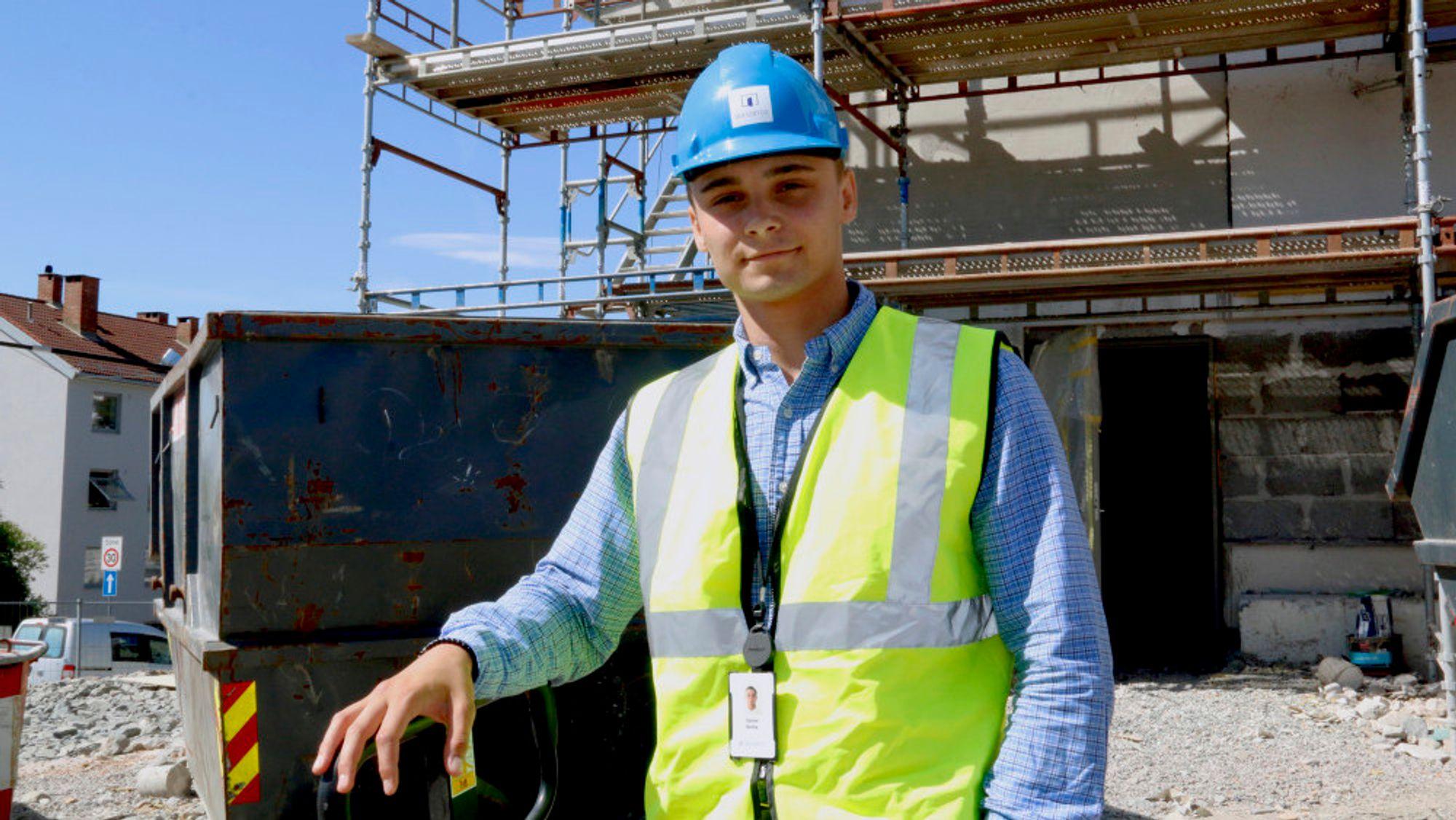 Ute på byggeplassen har Daniel Banka fått stor glede av at han behersker polsk.