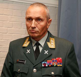 Daværende sjef for  Etterretningstjenesten, generalløytnant Kjell Grandhagen, under en redegjørelse i november 2013.