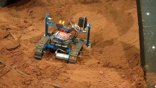En sverm av små roboter kan sette opp de første byggene på Mars