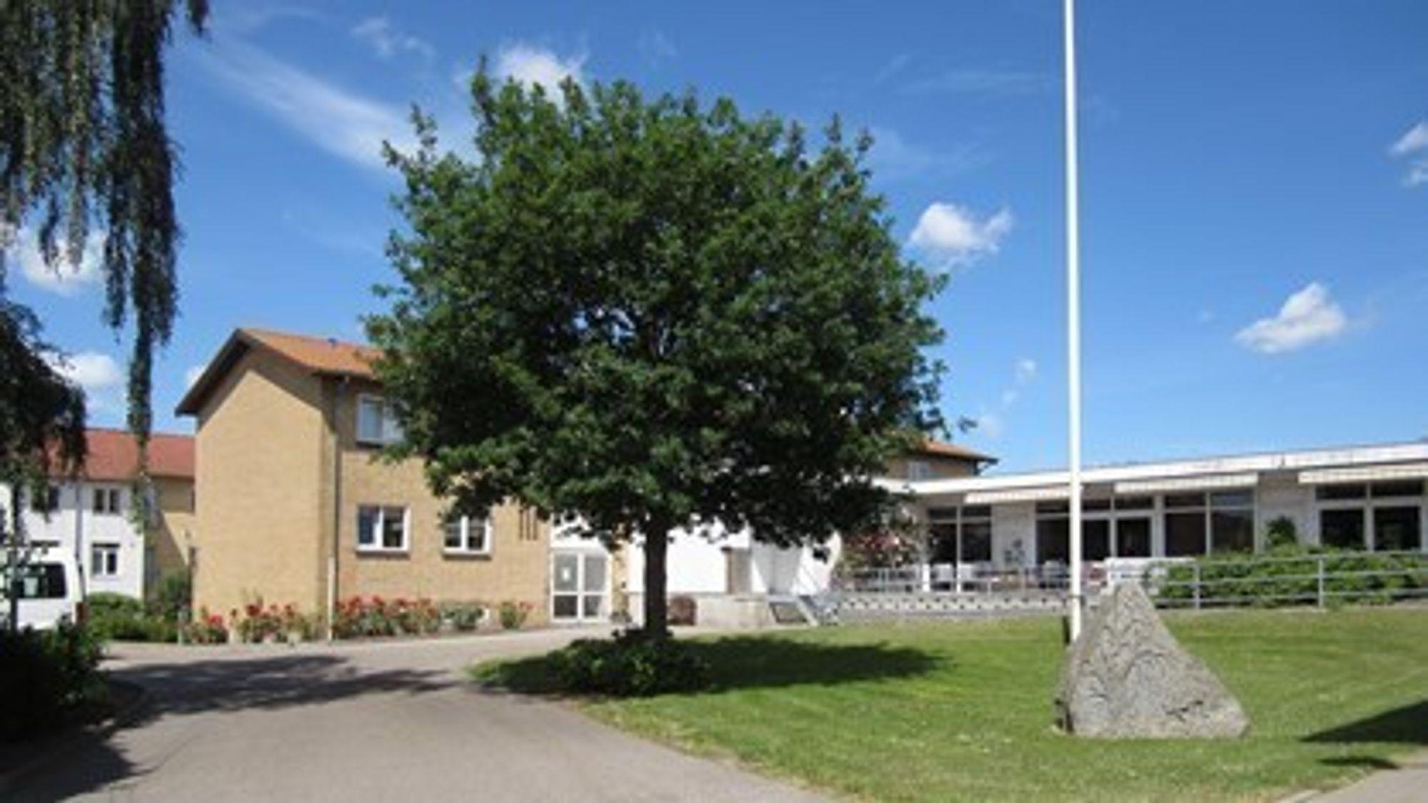 Fredag 3. august oppstod en dødelig brann ved Farsøhthus pleiehjem i Danmark. Kommunen undersøker nå alle sine bygg.