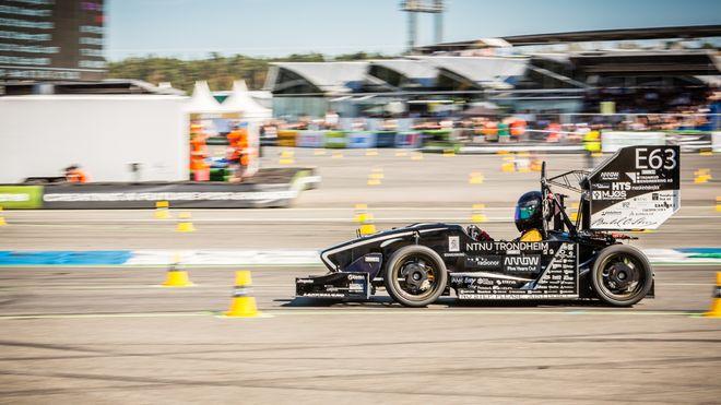 NTNU-studentenes elektriske racerbil gjør 0 til 100 på 2,2 sekunder. Kapret internasjonal pallplass