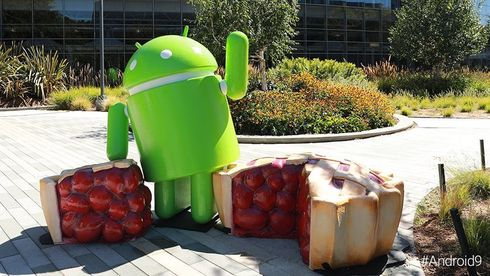 Android 9 Pie-statuen på Googleplex-området i Mountain View, California.