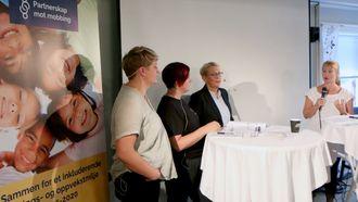 Statssekretær Rikke Sjøberg kunne fortelle at det jobbes med en lov mot mobbing i barnehagen - men at det vil ta tid.