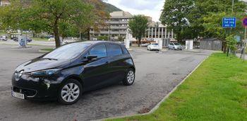 Renault Zoe er noe mindre enn Nissan Leaf.