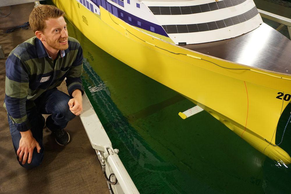 Wavefoil regner med å oppnå drivstoffbesparelser på minst fire prosent for de nye kystruteskipene. – Større foiler ville gitt større besparelser, sier Bøckmann.