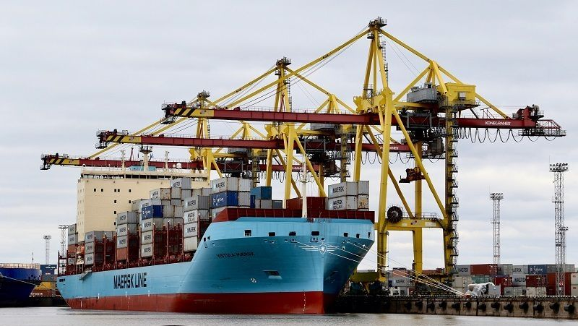 Vistula Maersk til kai. Dette er et av seks søsterskip til Venta Maersk som nå skal seile gjennom Nordøstpassasjen.