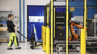 Siemens i Trondheim har levert sine første maritime batterier. Roboter gjør produksjonen effektiv