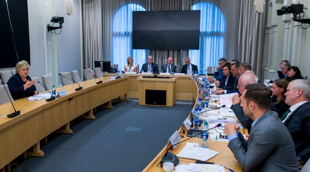 Statsminister Erna Solberg under høringen i Stortingets kontroll- og konstitusjonskomité.