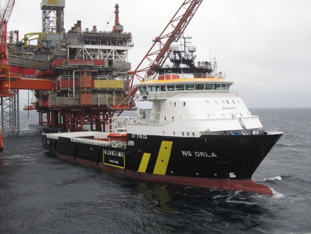Multifunksjonsskipet NS Orla i Nordsjøen. Neste år blir det hybrid med Rolls-Royce batteripakke og kraftelektronikk plassert i eget dekkshus.